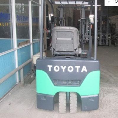 Xe Nâng Điện Toyota 7FBE10 1 tấn, nâng cao 3 mét, ngồi lái (Nhật Bản)