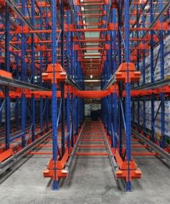 Hệ thống kệ có đường ray dùng để lưu trữ số lượng lớn pallet