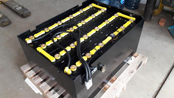Bình điện xe nâng thương hiệu GS YUASA