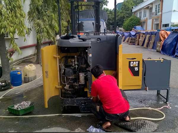 Dịch vụ sửa chữa xe nâng tại Bắc Ninh của Duy Phát Forklift