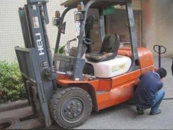Sửa chữa xe nâng tại Đà Nẵng chuyên nghiệp