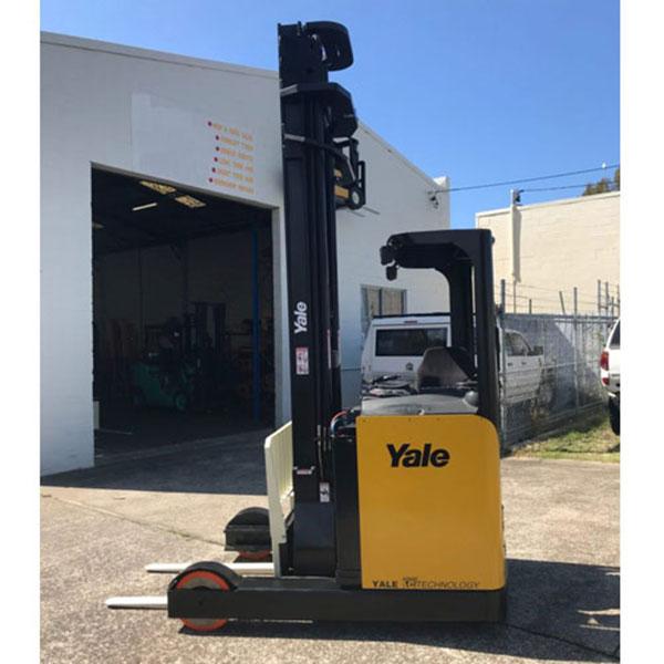 Báo giá xe nâng điện đứng lái Yale - Italy: Liên hệ