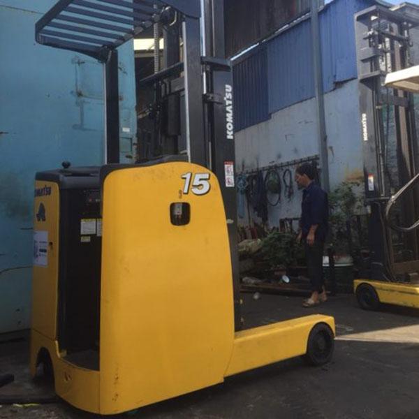Xe Nâng Điện đứng lái 1.5 tấn Komatsu , nâng cao 5 mét