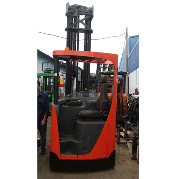 Xe Nâng Điện ngồi lái cũ BT 2 tấn, nâng cao 9.5 mét