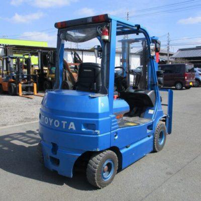 Xe Nâng Điện Toyota 2.5T-3.7M kiểu ngồi lái