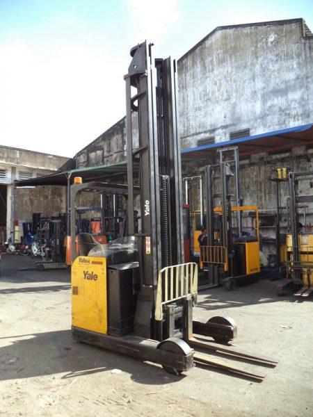 Xe Nâng Điện Yale 2 tấn, nâng cao 9.5 mét, ngồi lái