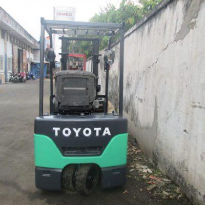 Xe nâng điện Toyota